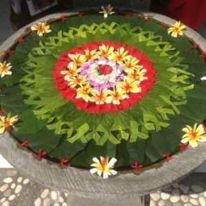 Balinese flower art from the Citakara Sari Estate cultural immersion program