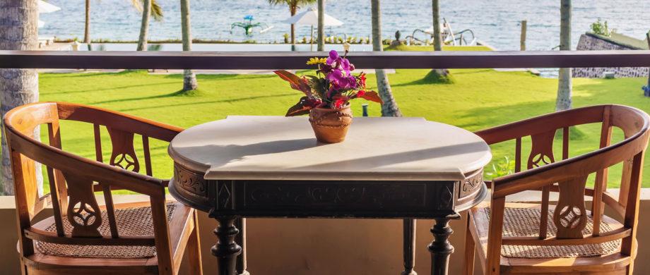 Oceanside dining and pool at Villa Joglo at Citakara Sari Estate